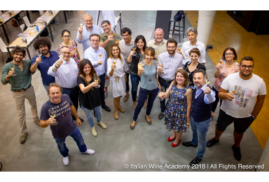 Uno sguardo all'interno di Italian Wine Academy